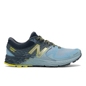 Zapatillas Trail Running Mujer New Balance Summit Q.O.M Bicolor